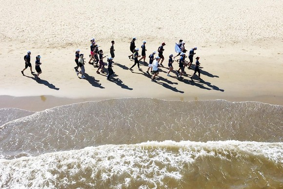 200 người chạy mỗi km nhận 1 USD, gây quỹ vì đại dương không rác ảnh 4
