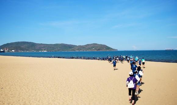 200 người chạy mỗi km nhận 1 USD, gây quỹ vì đại dương không rác ảnh 7