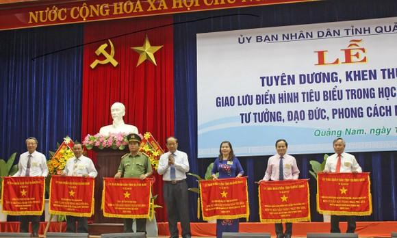 Quảng Nam: Tuyên dương điển hình học tập và làm theo tư tưởng, đạo đức, phong cách Hồ Chí Minh ảnh 1