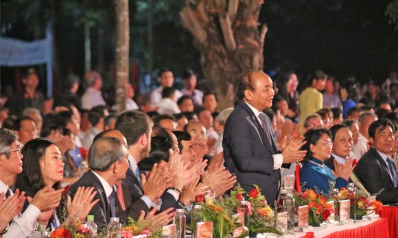 Thủ tướng Chính phủ Nguyễn Xuân Phúc đến dự