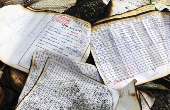 Công bố nguyên nhân vụ cháy hơn 40 tấn hồ sơ xe buýt ảnh 2