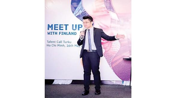 Ông Nguyễn Thành Nhân (Macken Education) giới thiệu về Phần Lan cũng như các cơ hội nghề nghiệp cho các bạn trẻ tại thành phố Turku