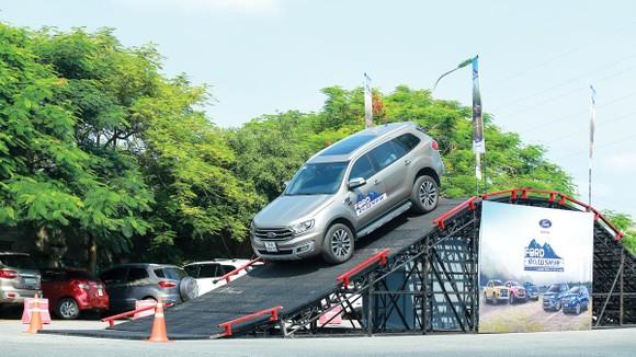 Ford Việt Nam khởi động chương trình Lái thử xe - Ford Roadshow 2019