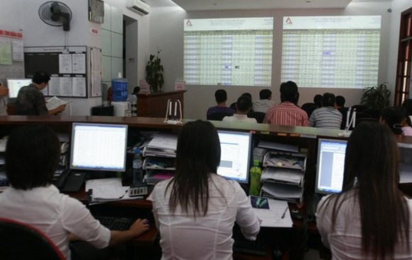 Trading transactions are carried out at Alpha Securities Company (Photo: VNA)