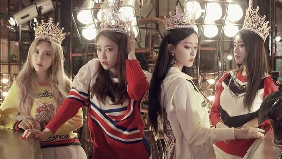 Korean girl group T-ARA performs in HCM City