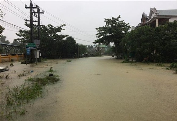 Flood in central Thua Thien-Hue province (Photo VNA)