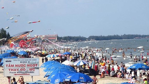 People will enjoy 4-day holiday during Reunification Day.