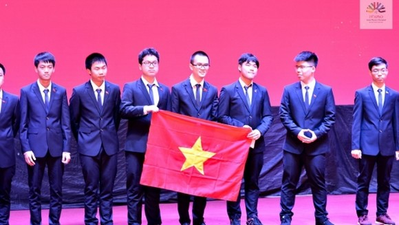 Vietnamese team in the 19th Asian Physics Olympiad  (Photo: apho2018)