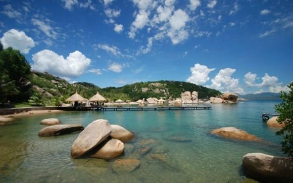 A corner of Binh Lap Island, Khanh Hoa province (Photo: baogiaothong.vn)
