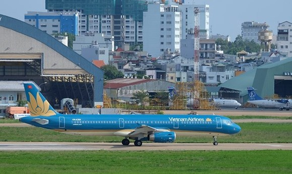 Vietnam Airlines launches additional flights to Bacolod to serve football fans