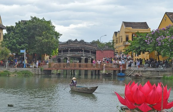 Hoi An offers free entrance for visitors