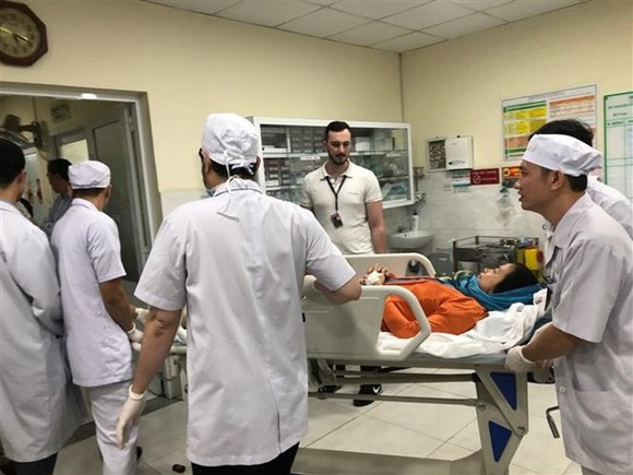 The injured tourists continue to receive treatment in hospital in HCM City (Photo: VNA)