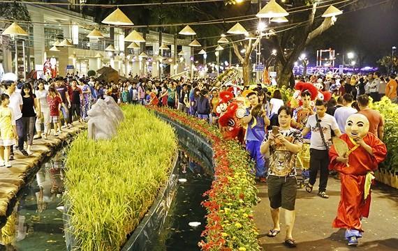 Phu My Hung Spring Flower Festival 2019 opens.  (Photo: Sggp)