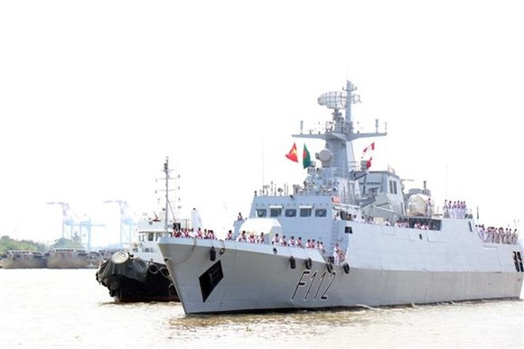 The guided missile corvette BNS Prottoy (F112) of the Bangladesh Navy (Photo: VNA)