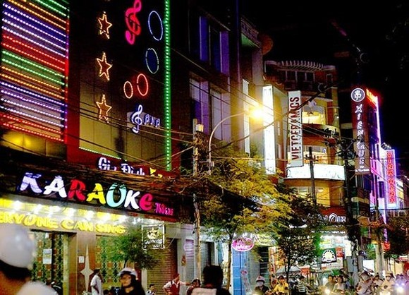 Karaoke clubs in HCM City's District 10. (Photo: sggp.org.vn)