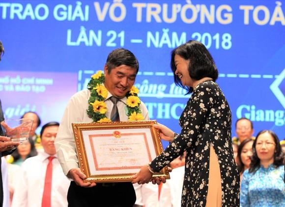 50 nhà giáo tiêu biểu của TPHCM được vinh danh Giải thưởng Võ Trường Toản ảnh 3