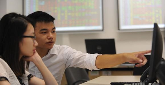 Tháng 8, giao dịch cổ phiếu trên HNX đạt 14.252 tỷ đồng