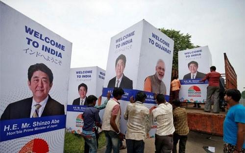 Bang Ahmedabad, Ấn Độ chào mừng chuyến thăm sắp diễn ra của Thủ tướng Nhật Bản Shinzo Abe.