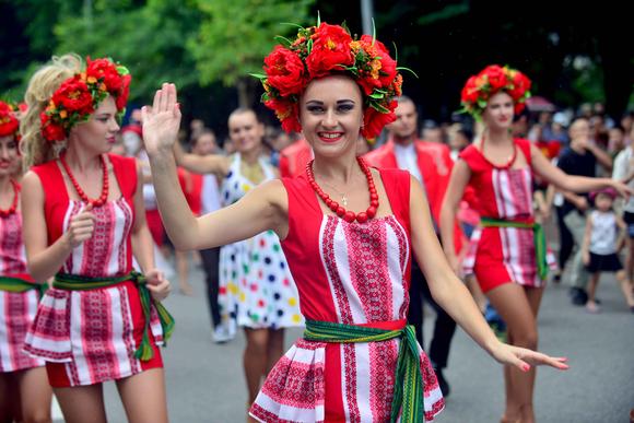 Lần đầu tiên đoàn vũ công Carnival khuấy động phố đi bộ Hà Nội ảnh 6