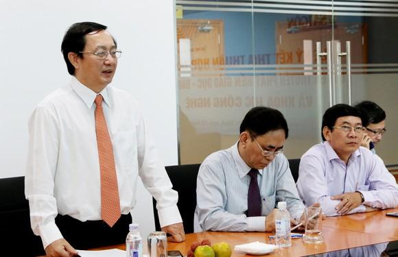 Báo SGGP và ĐH Quốc gia TPHCM hợp tác tuyên truyền phát triển giáo dục ảnh 2