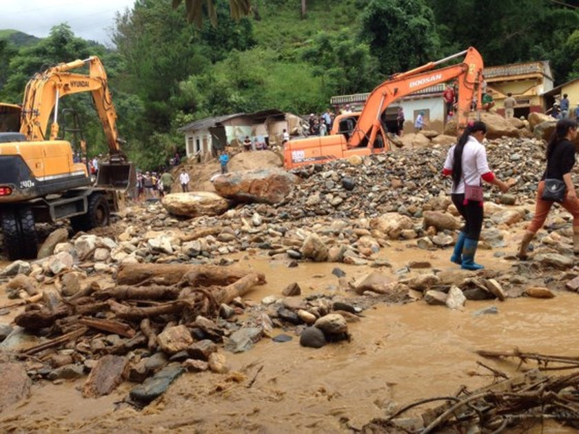 33 dead & missing reported after flashflood ảnh 1