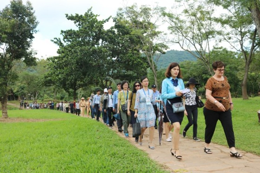 APEC ministers' excellency experience cultural heritage of Quang Nam  ảnh 8