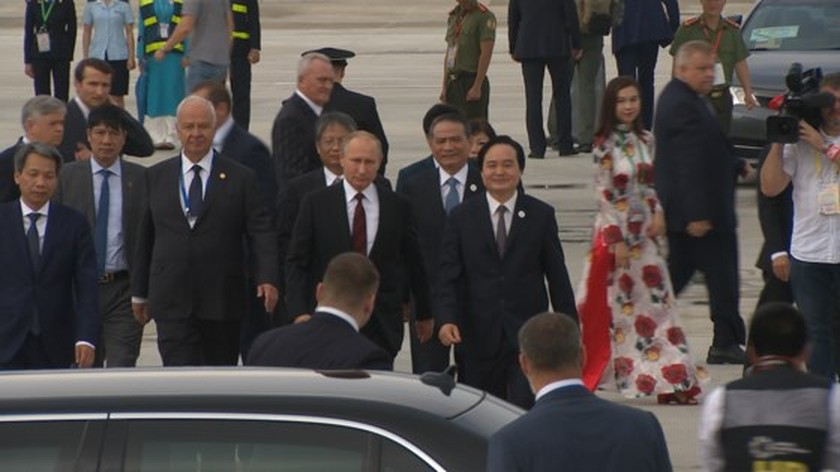 Russian President V. Putin arrives in Da Nang ảnh 6