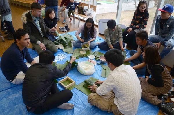 Overseas Vietnamese celebrate traditional New Year ảnh 1