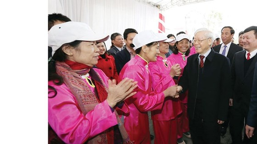 Party chief Nguyen Phu Trong visits Hung Yen province on occasion of New Year ảnh 2