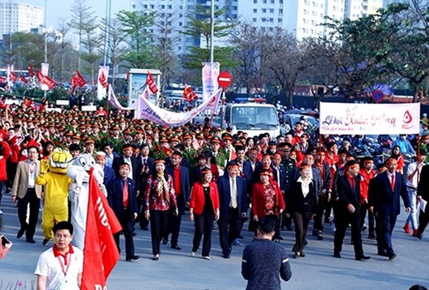 Thousands of people join Pink Spring blood donation festival ảnh 2