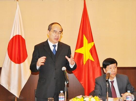 City leader meets overseas Vietnamese in Japan ảnh 1