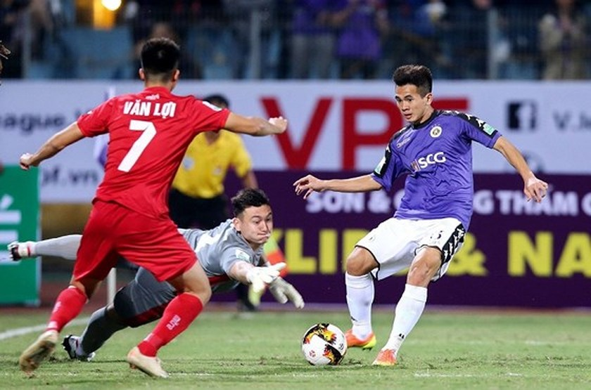 """V-League 1 wins gold in """"Best Developing Football League of 2018"""" category ảnh 2"""