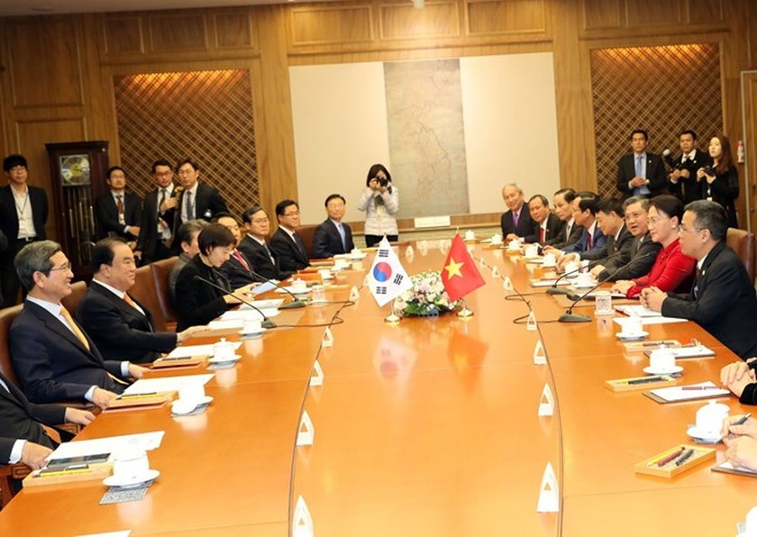 Vietnam's National Assembly keen to develop relations with RoK: top legislator ảnh 1