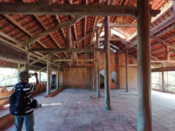 Resorts, restaurants abandoned after stop of Ke Ga seaport project ảnh 2
