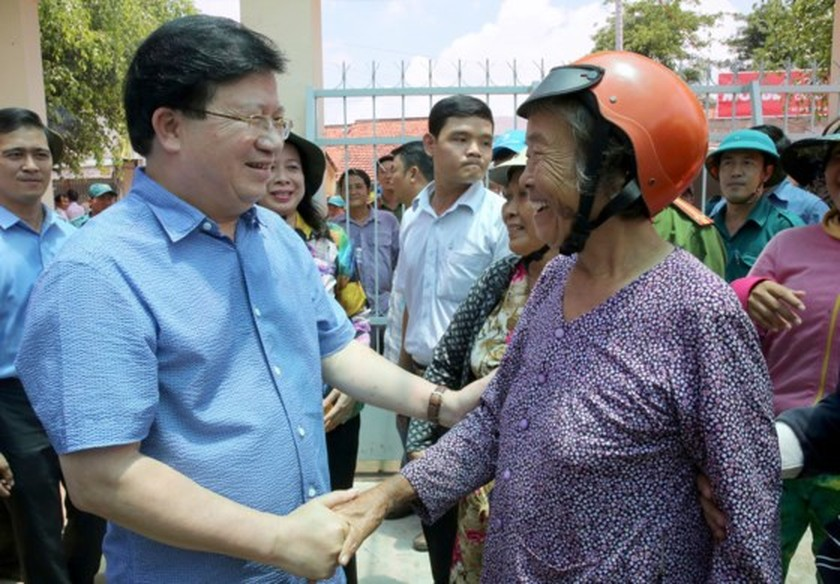 Deputy PM asks for long term solutions to deal with landslide in Mekong Delta ảnh 1