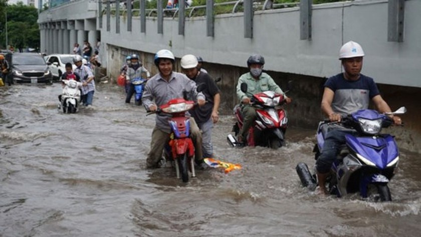 HCMC might install smart pumps to cope with street flooding ảnh 2