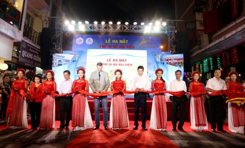 HCMC officially opens Bui Vien walking street ảnh 1