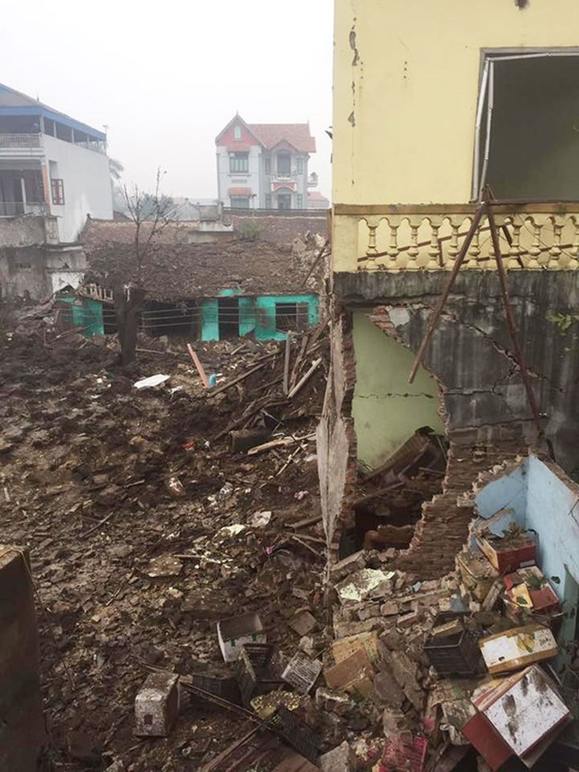 Nine causalities reported after big explosion in Bac Ninh province ảnh 4