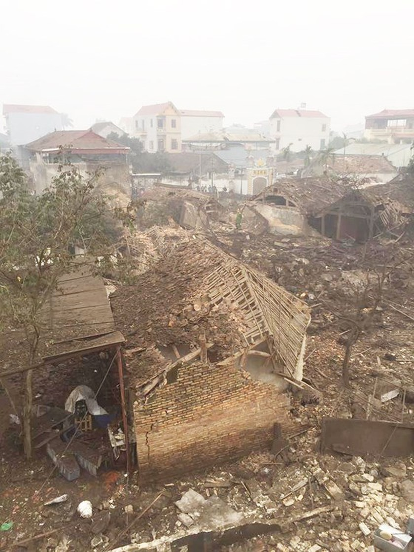 Nine causalities reported after big explosion in Bac Ninh province ảnh 6