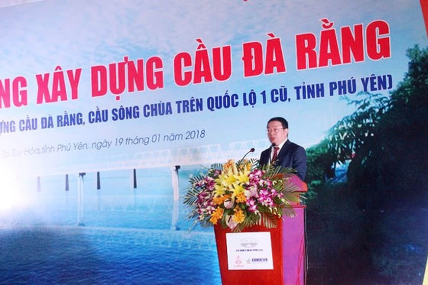 PM presses button to start work new Da Rang bridge ảnh 2