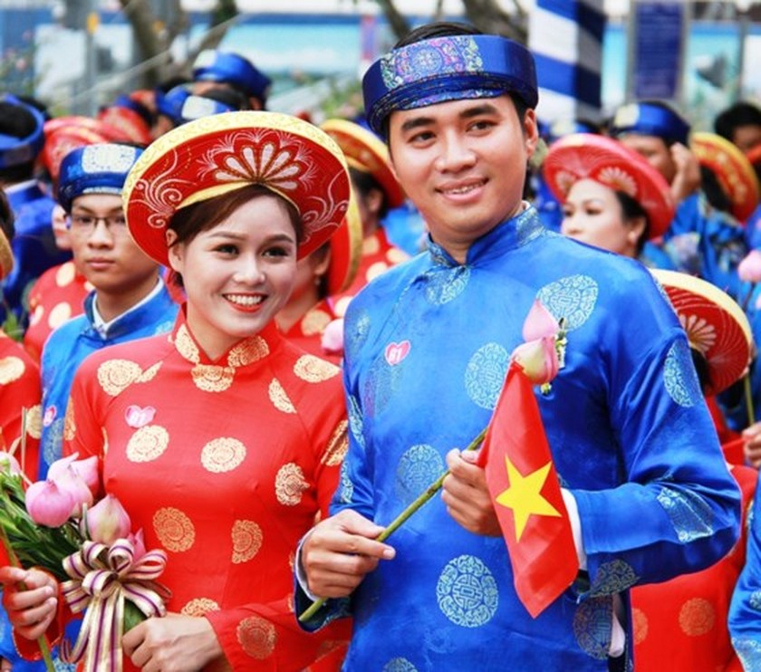 City organizes mass wedding of 100 couples on National Day ảnh 5