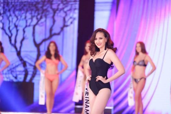 Khanh Ngan crowned at Miss Globe 2017 ảnh 3