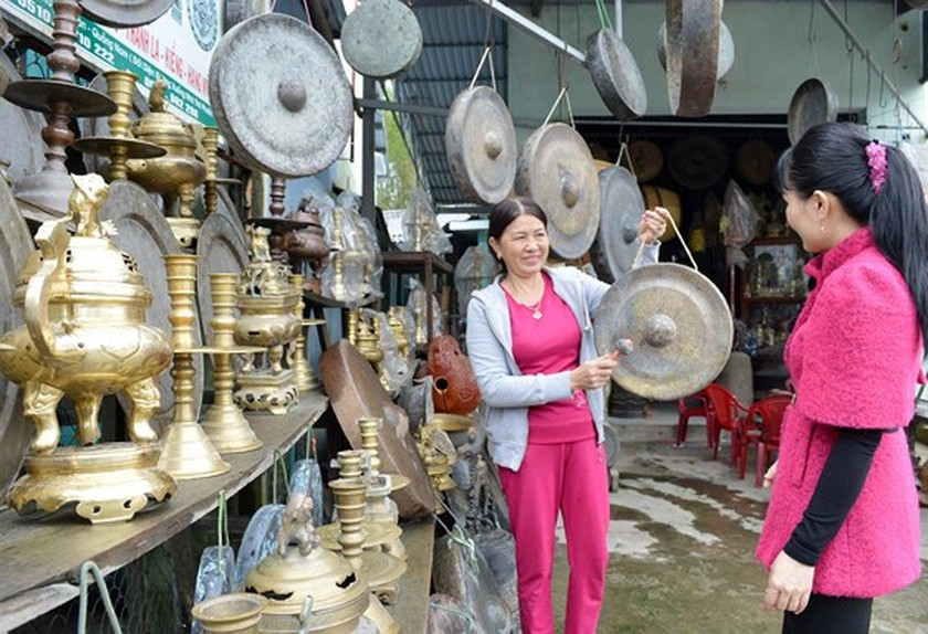 Craft villages prepare for Tet ảnh 4