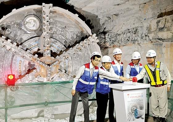 HCMC's metro line No.1 Ben Thanh Suoi Tien project ảnh 2