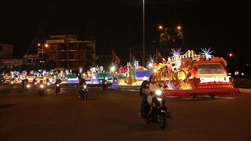 Carnival show 2018 lights up Danang ảnh 1