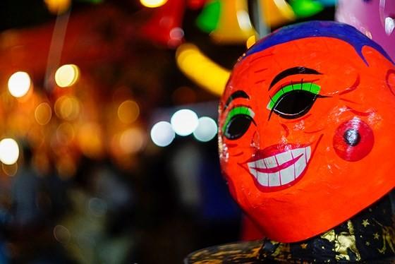 Hanoians enjoy early mid-autumn festival ảnh 7