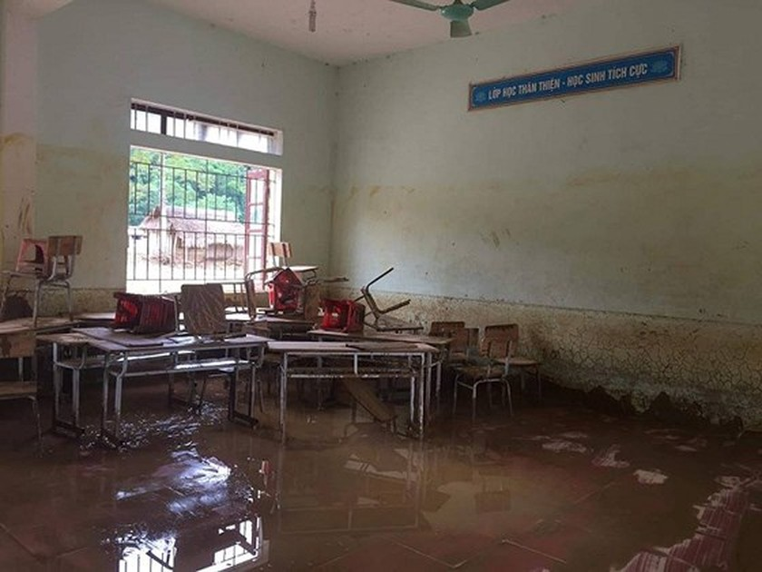 149 students in mountainous commune moved due to flash floods ảnh 2