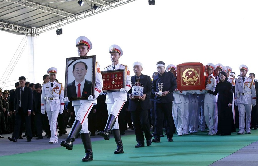 President Tran Dai Quang laid to rest in hometown ảnh 1