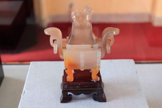 Đà Lạt: Bộ hiện vật cung đình triều Nguyễn lần đầu được giới thiệu ảnh 3