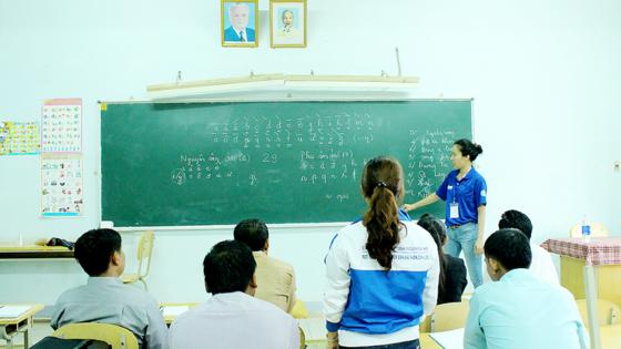 Sức trẻ tình nguyện trên đất bạn Lào ảnh 2